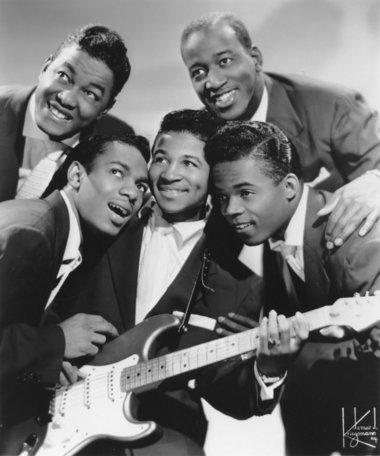 Hank Ballard (lower right) and the Midnighters